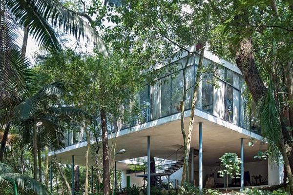Una casa de vidro a san paulo del brasile stilopolis for Casa di vetro contemporanea