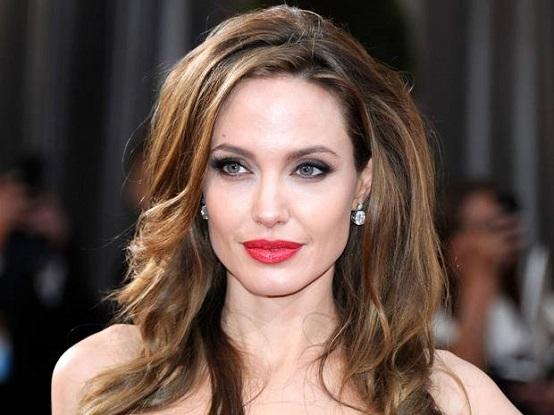 Angelina-Jolie.anoressia